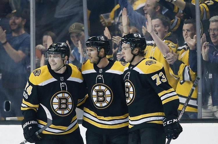 Bostonas Bruins, Sportazinas.com