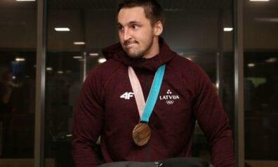 Oskars Melbārdis, Sportazinas.com