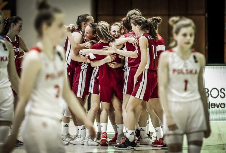 U18 meiteņu basketbola izlase, sportazinas.com