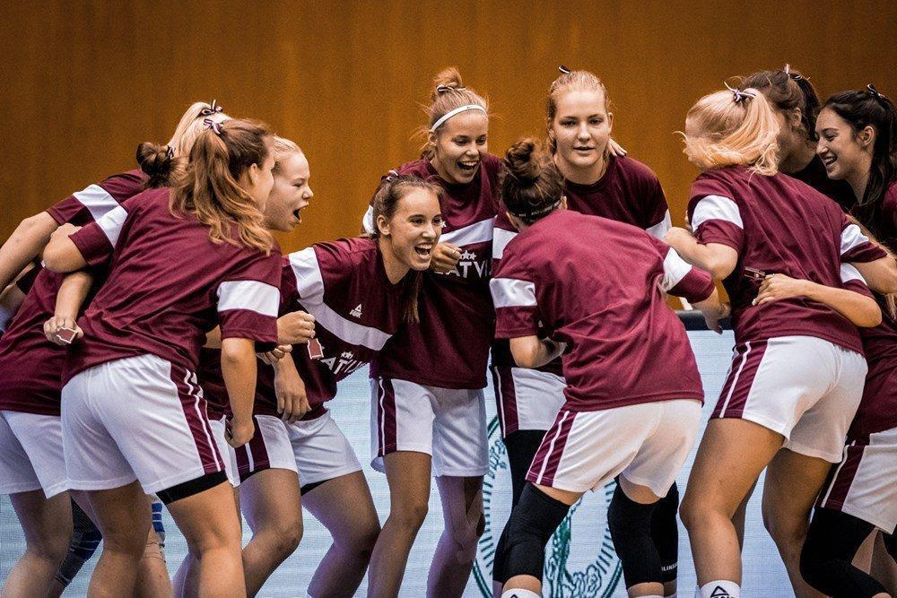U19 meitenes, sportazinas.com
