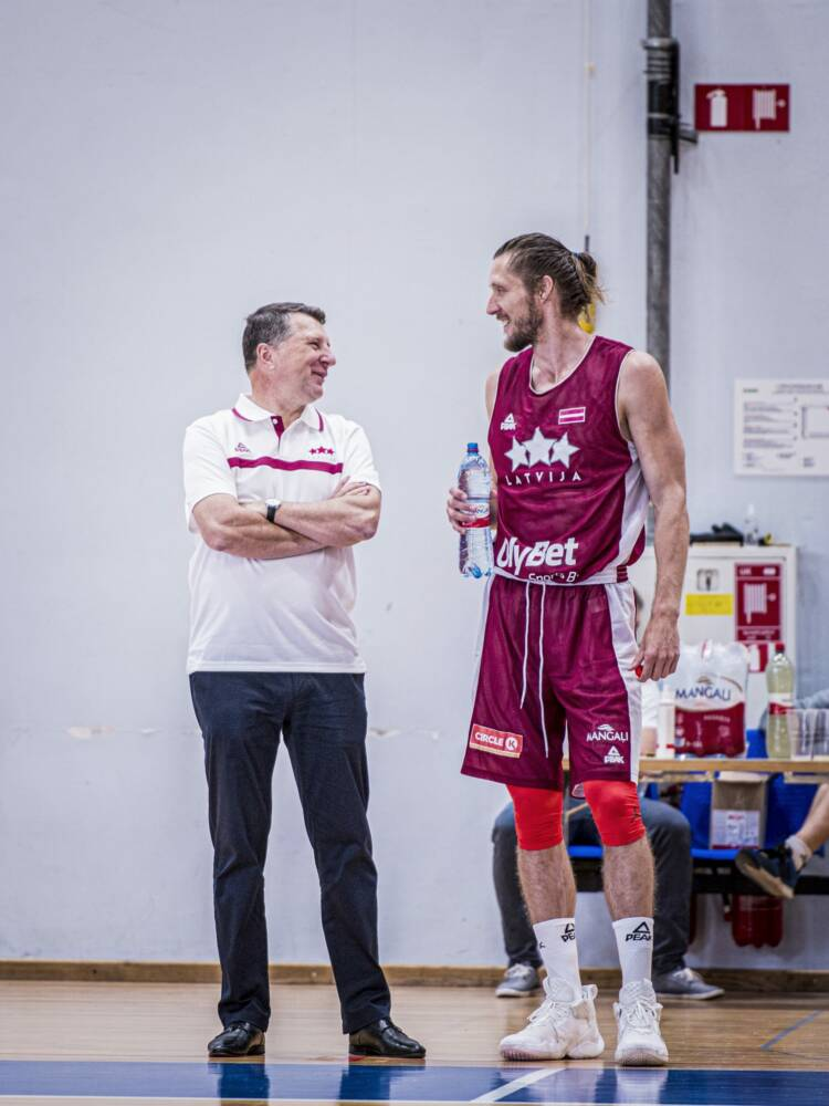 Raimonds Vējonis un Kaspars Bērziņš, sportazinas.com