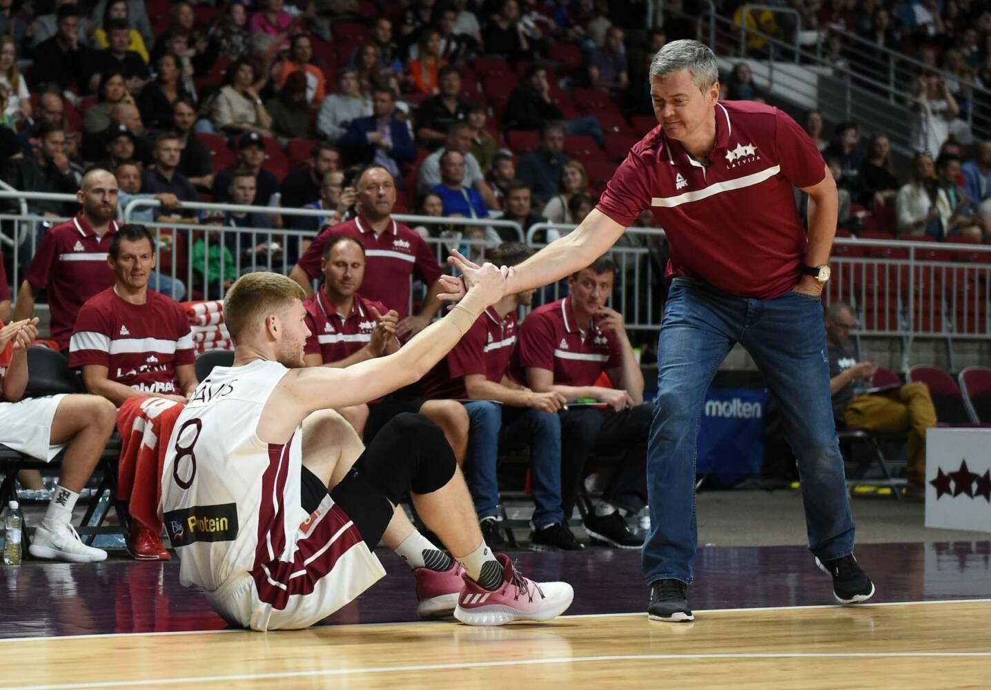 Ainars Bagatskis un Dāvis Bertāns, sportazinas.com