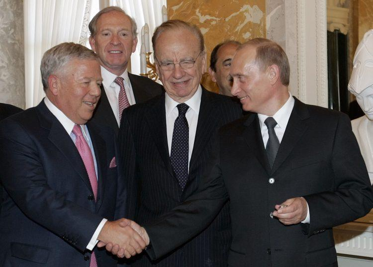 Roberts Krafts un Vladimirs Putins, sportazinas.com