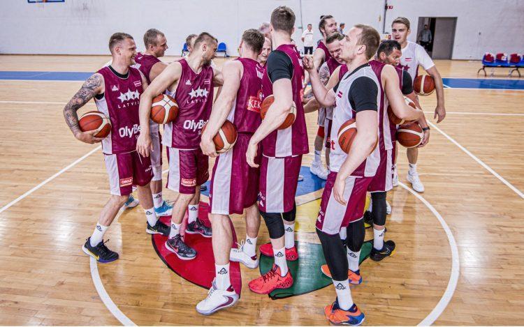 Latvijas izlases basketbolisti, sportazinas.com
