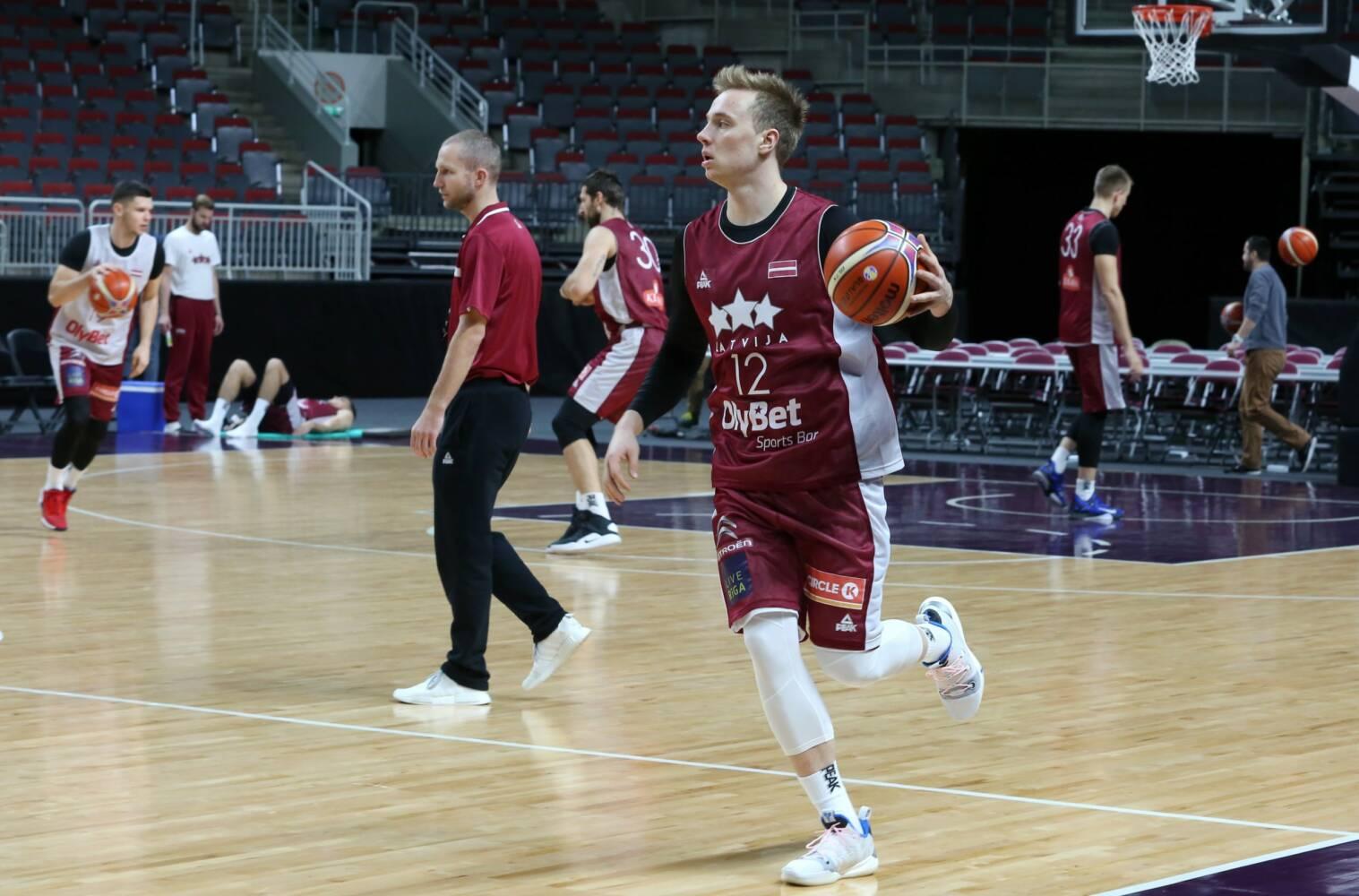 Artūrs Strautiņš, sportazinas.com