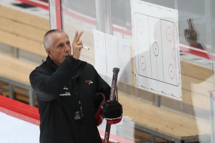 Bobs Hārtlijs, sportazinas.com