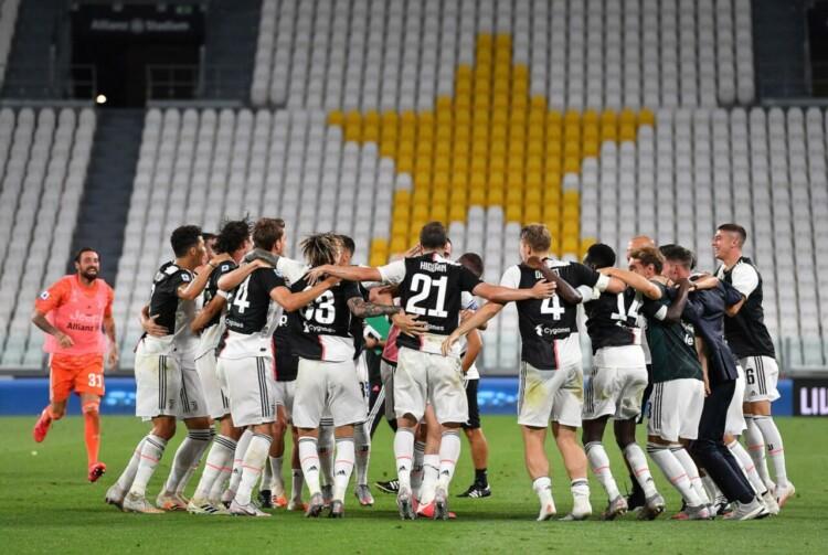 "Turīnas ""Juventus"", sportazinas.com"
