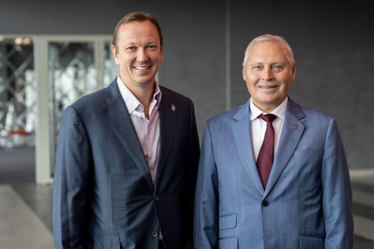 Pēteris Skudra un Juris Savickis, sportazinas.com