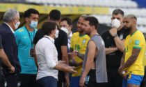Argentīnas un Brazīlijas futbola izlašu spēles pārtraukšānas brīdis
